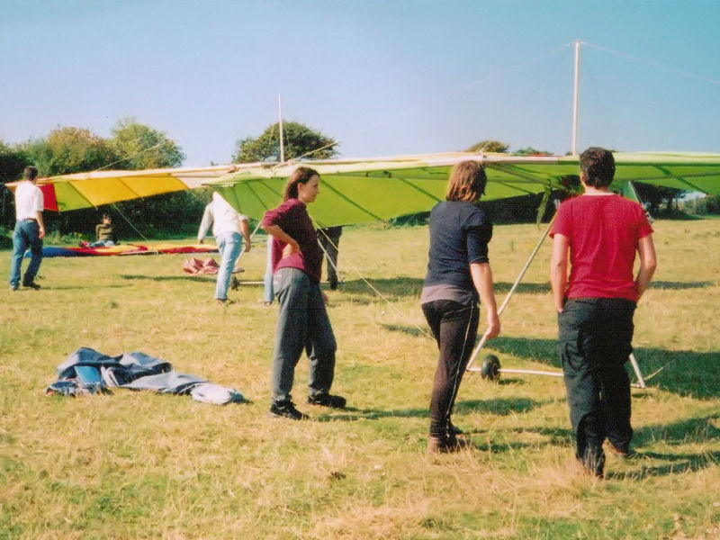 Learning How to Rig a Hang Glider